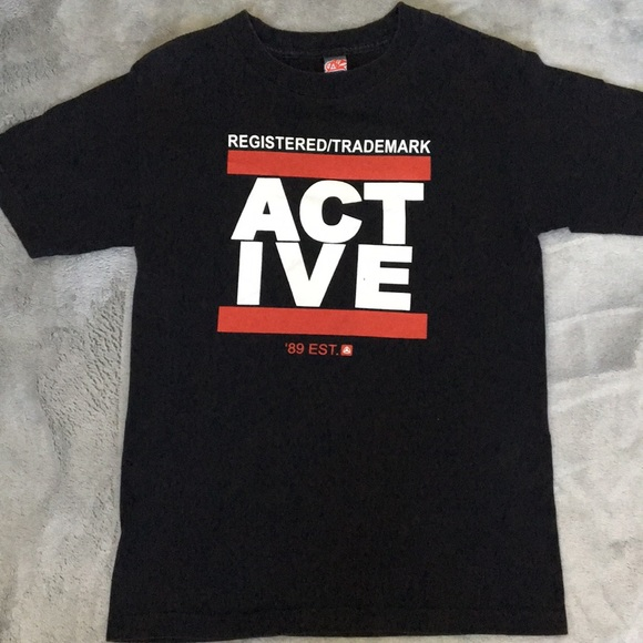 Active Graphic Tee size Small